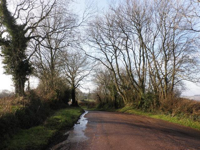 Minor road to Silverton