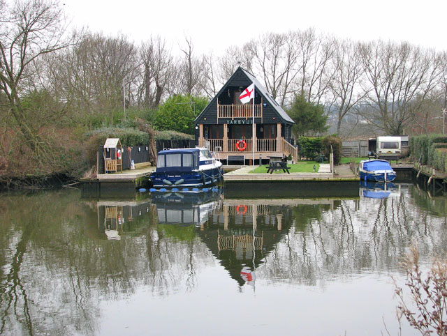 Yarevue - a holiday home by the River Yare