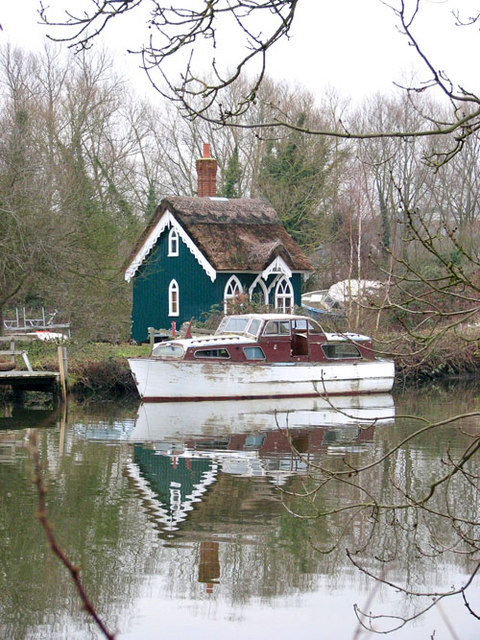 Boat moored by Thorpe Cottage