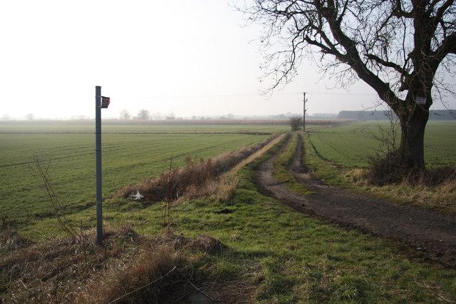 Track to Blyton
