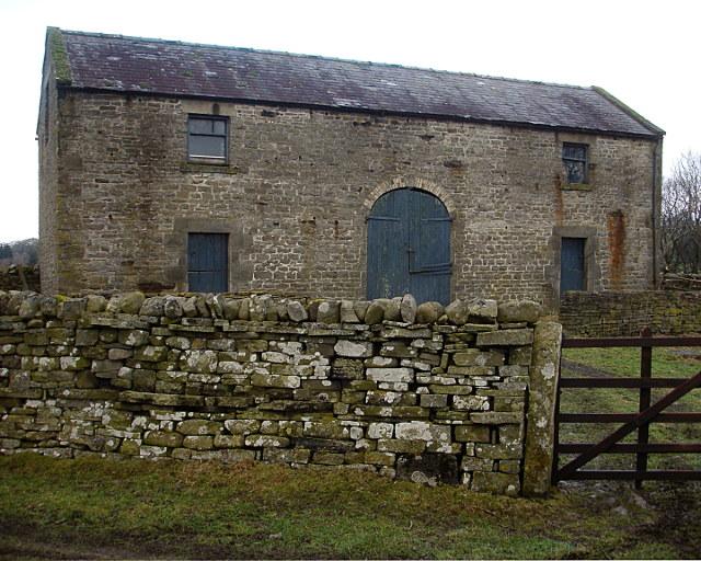 Barn by Crossthwaite Beck