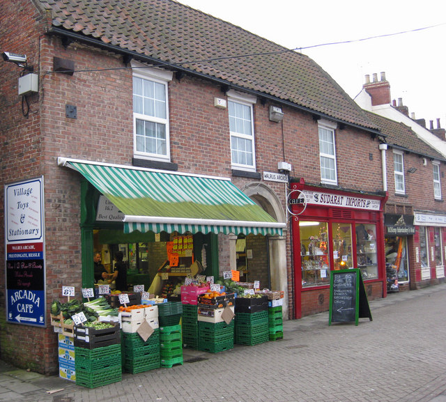 Shops on Prestongate, Hessle