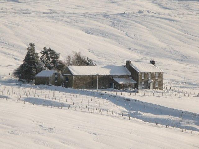 Snowy pastures around Newfold House (2)