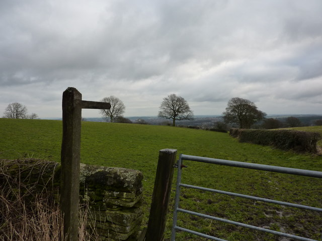 Gate and footpath sign at Chanderhill