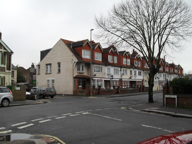 Looking from Sturges Road into Linden Road
