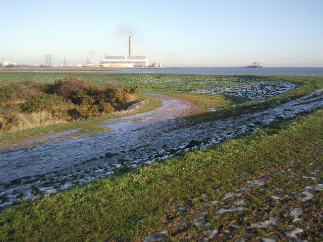Kingsnorth Power Station from the Saxon Shore Way