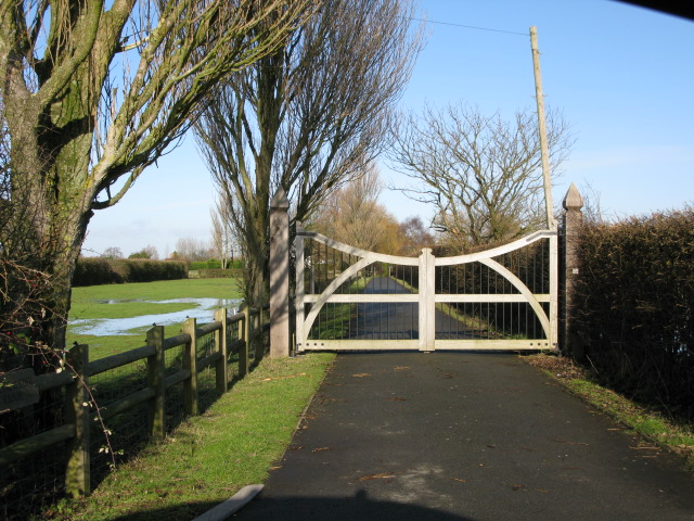 Driveway to Little Gains Farm