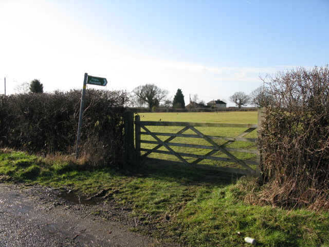 Footpath to Aldington Frith from Dicksons Bourne