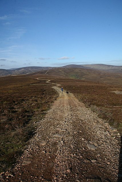 Track to Auld Darkney
