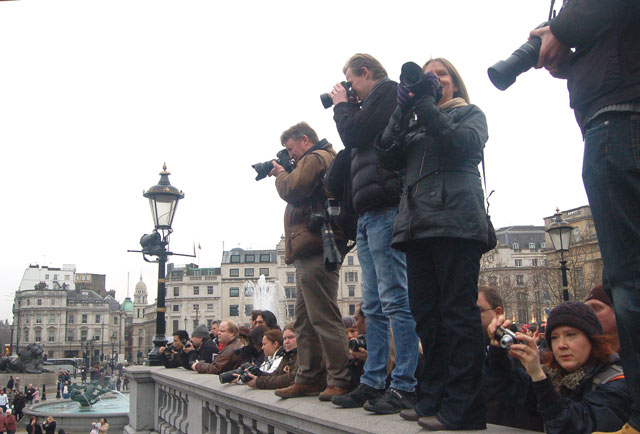 Photographers mass protest against police harassment on 23 Jan 2010 (4)