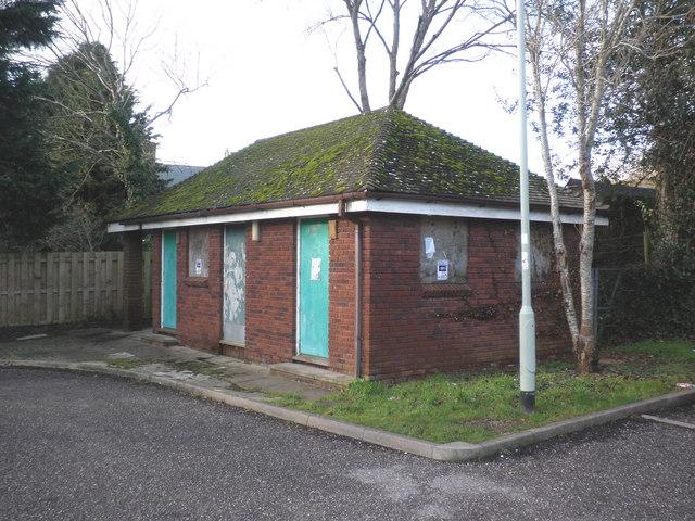 Disused public toilets, Silverton