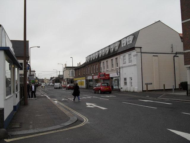 Looking from Spencer Street across Lyon Street West towards Phoenix Court