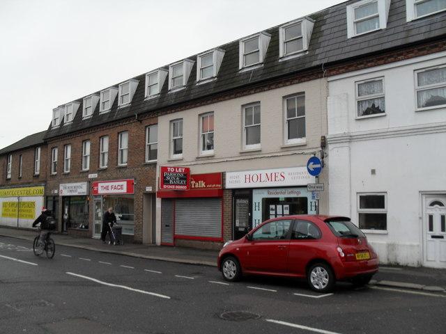 Shops in Lyon Street West