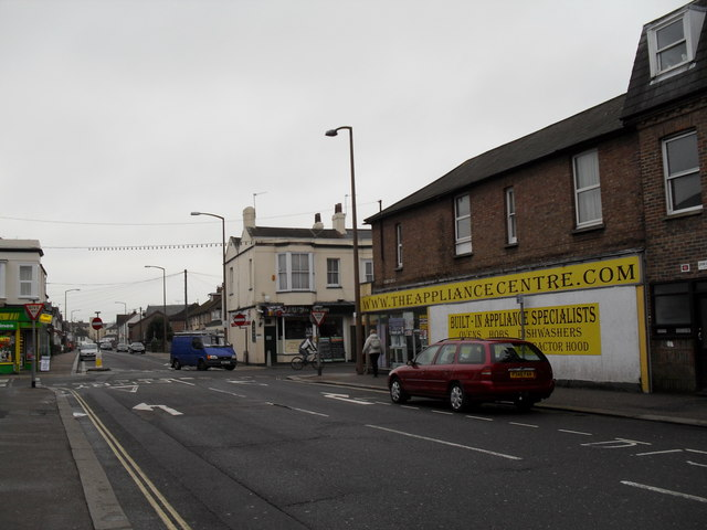 The Appliance Centre as seen from Lyon Street West