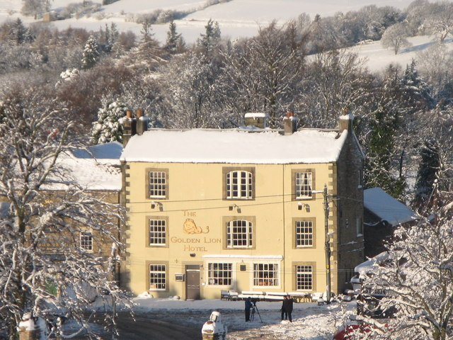The Golden Lion Hotel in the snow