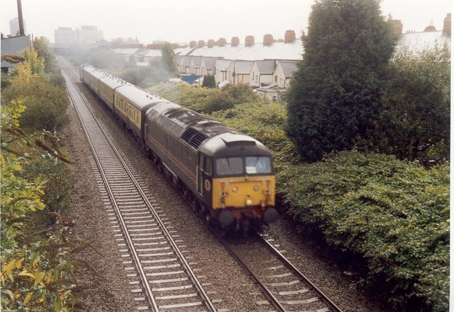 Class 47 approaching Crwys Road bridge