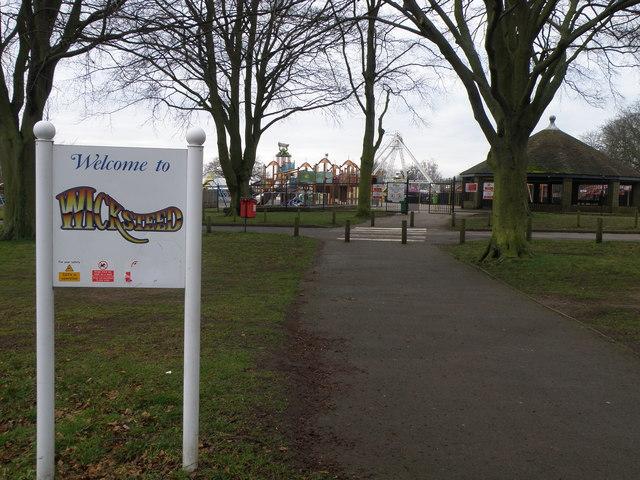Pedestrian access to Wicksteed Park