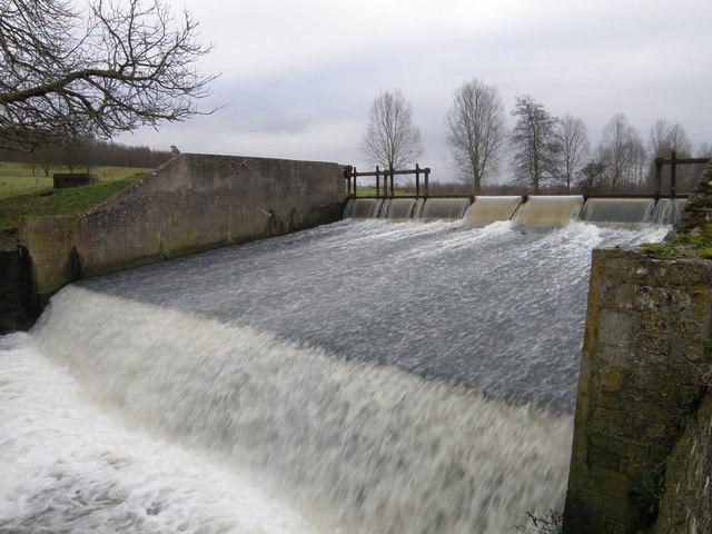 Weir and spillway, Deene Park