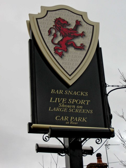 The Red Lion sign, 70 Castle Road