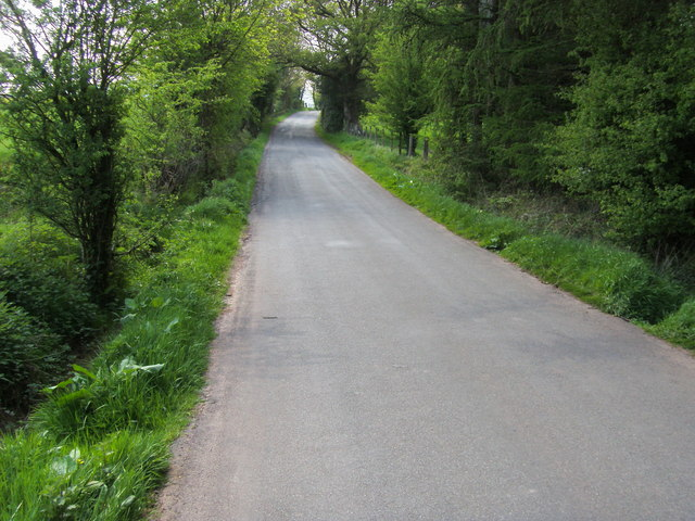 Lane heading to Heol Senni