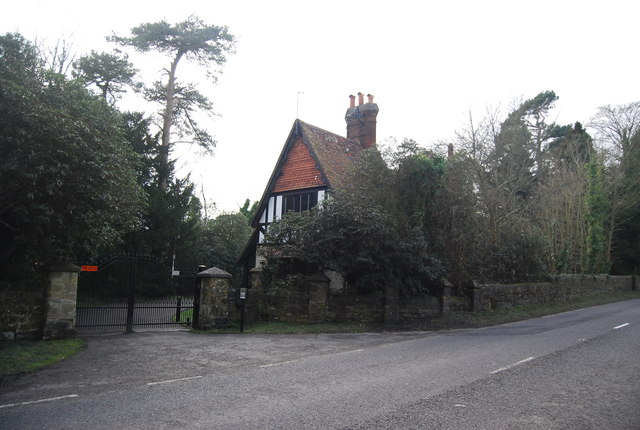Lodge by the A268