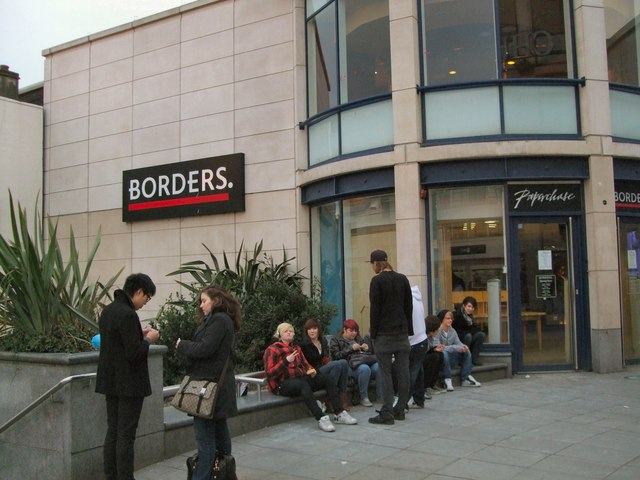 Borders - Churchill Square