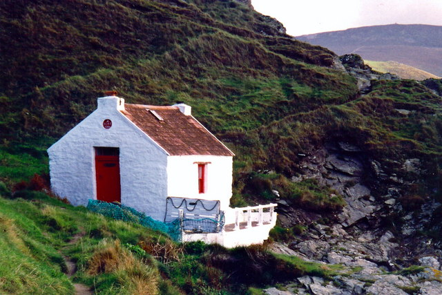 Niarbyl - Thatched fisherman's cottage at Niarbyl Bay