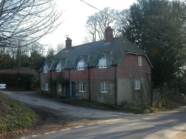 Boveridge, farm cottages