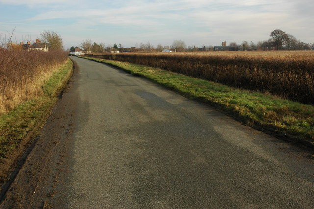 Road approaching Honeybourne