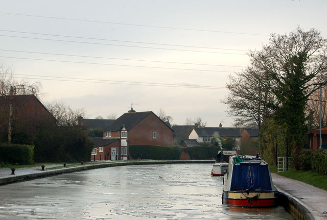 Grand Union Canal near Lidl supermarket, Myton Road