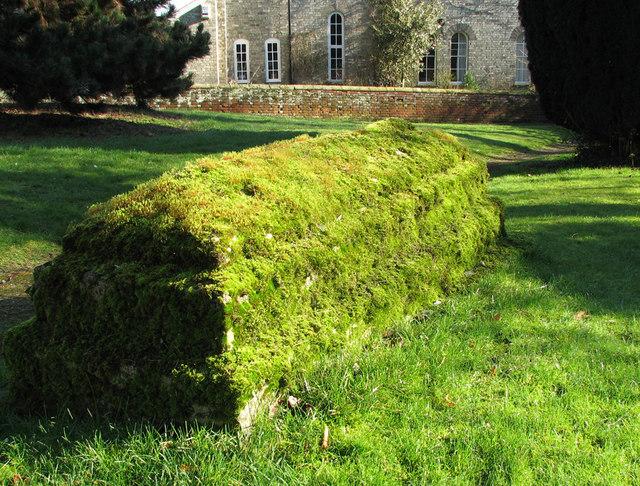 Mossy tomb in Cavendish churchyard