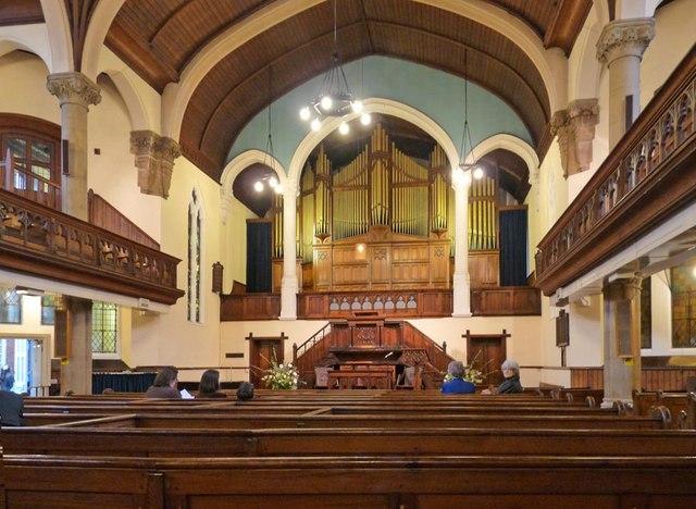 United Reformed Church, Wood Street, Barnet - East end