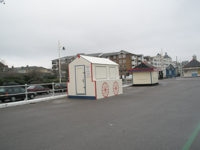 Stalls closed for the winter on Bognor seafront