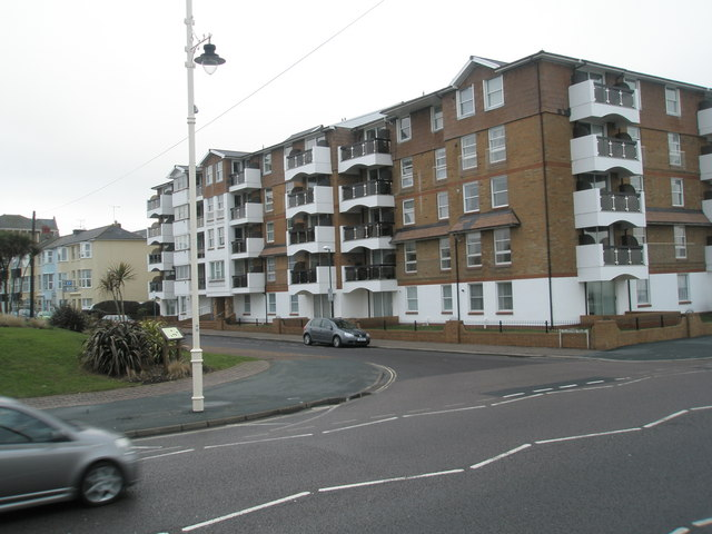 Approaching the junction of The Esplanade and Clarence Road