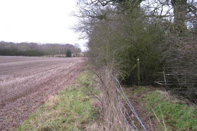 Footpath to Cubbington turns south