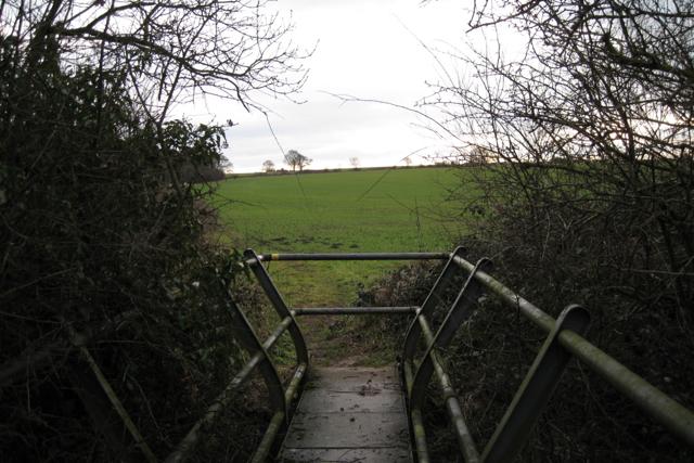 Footpath to Cubbington crosses stream