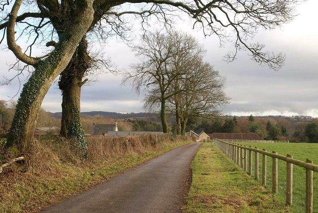 Approaching Burnworthy Farm (2)
