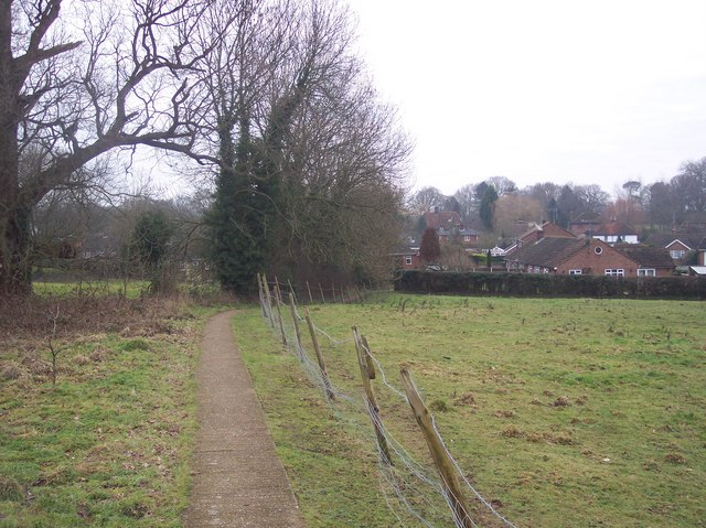 Footpath to Forge Hill