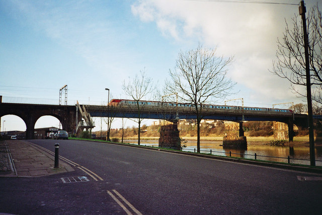 Carlisle Bridge train crossing - Lancaster