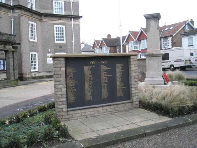 1939-1945 War Memorial (1)