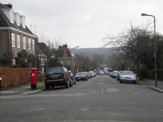 Heathgate NW11