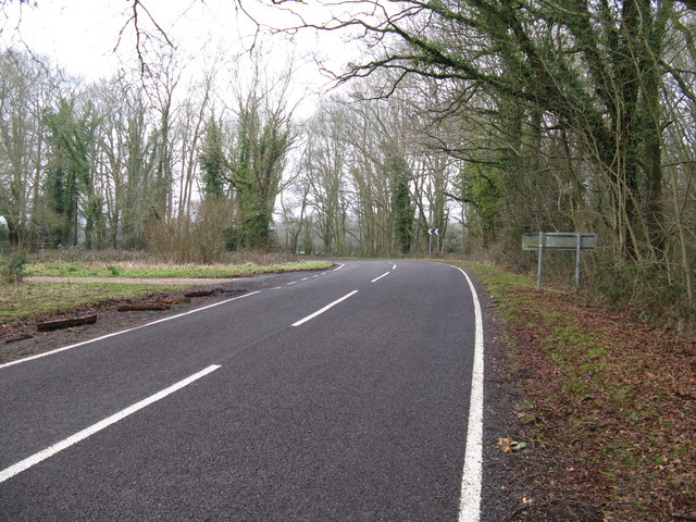 Sharp bend on the Shillinglee Road north of Gaston's Farm