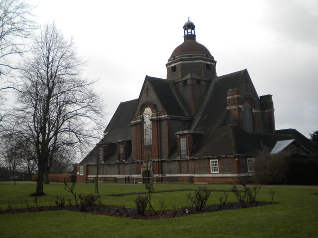 Hampstead Garden Suburb Free Church, Central Square NW11