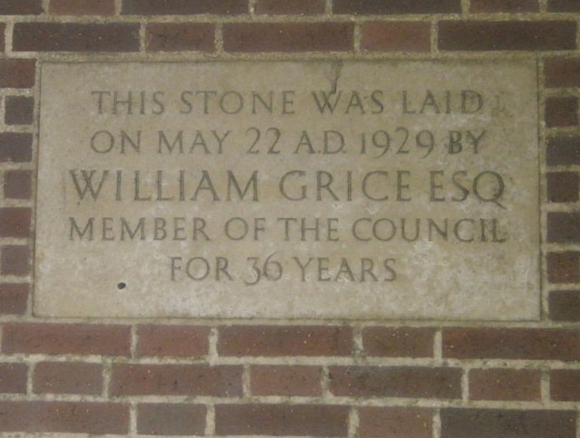 Commemorative stone on Bognor Town Hall (1)
