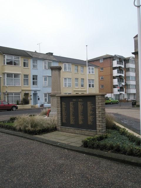 1939-1945 War Memorial (2)