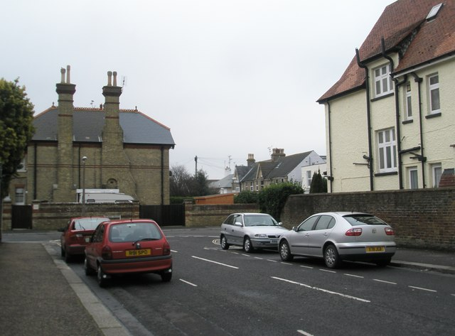Approaching the junction of Belmont Street and Albert Road