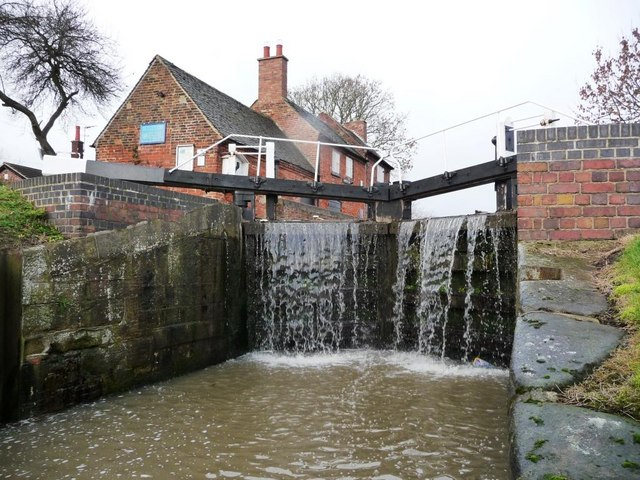 Sandiacre Lock and Lock Cottage