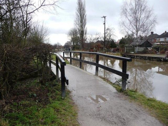 Towpath bridge over overflow weir, between Sandiacre and Dockholme locks