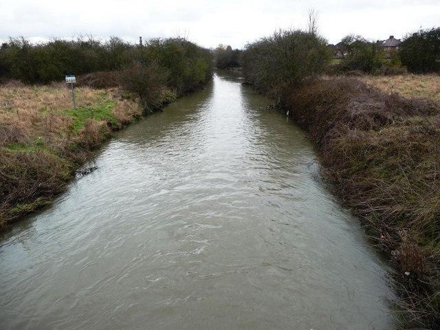 River Erewash, looking downstream from the footbridge near Dockholme Lock