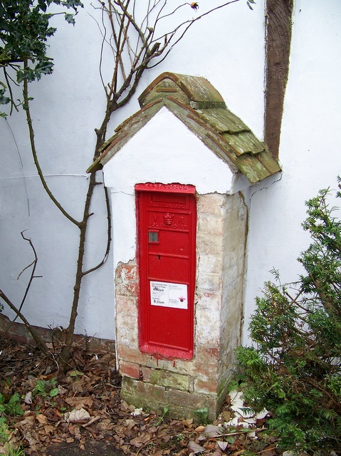 Victorian postbox, East Tytherley